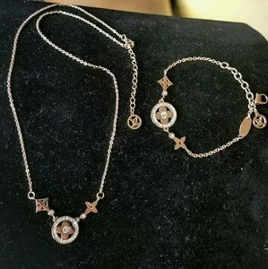 Flower full matching necklace and bracelet